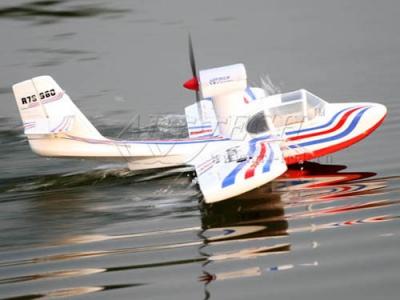 радиоуправляемый самолет art-tech coota с шасси для воды - 2.4g (21104)